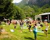 lezione collettiva di yoga durante la giornata dedicata al