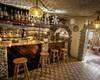 Il nostro bar ben fornito di bevande (Bombardino grolla vin brulè e aperitivi)