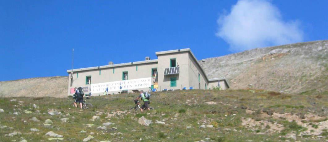 Rifugio alpino al Passo di Cassana (2601 m. s.l.m.)