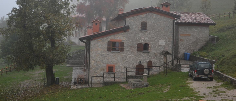 Rifugio Campei de Sima in autunno