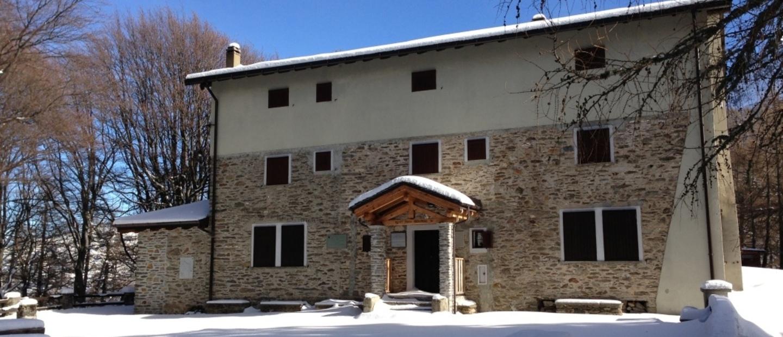 rifugio roccoli lorla con neve