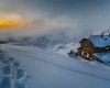 il rifugio visto dall'alto, dallo Zucco del Rifugio, dopo una forte nevicata