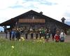 Festa alpina al rifugio