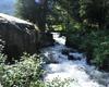 Particolare del torrente Re che scorre a fianco del rifugio. Le sue acque fresche e cristalline rompono il silenzio della montagna con il loro suono, rilassano e rinfrescano.