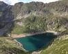 Il lago situato al di sopra del rifugio