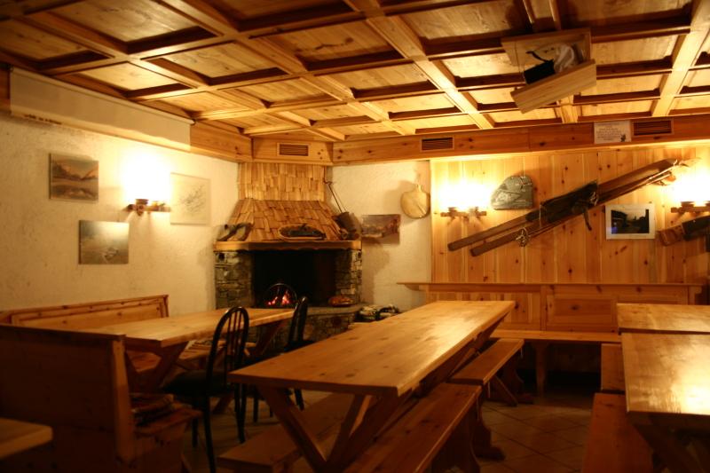 Rifugio la baita a sondalo val di rezzalo sondrio for Rifugio in baita di montagna