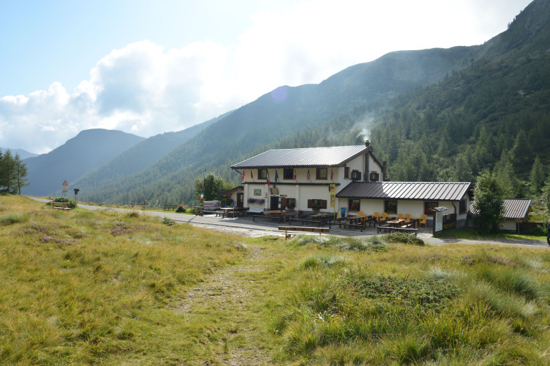 dating in schilpario italy Accommodation in ponte di legno, skirama dolomiti adamello-brenta, trentino, italy housed in a building dating from 2012 schilpario chalets in italian.